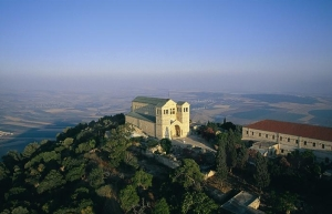 Mount-Tabor-and-the-church-of-transfiguration3