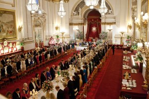 queen-elizabeth-ii-england-president-barack-obama-first-lady-michelle-obama-prince-philip-duke-of-edinburgh-state-banquet-buckingham-palace